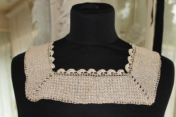 Antique Victorian simple cream square crochet lace