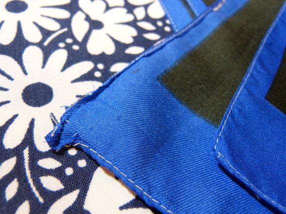 Foulard rectangulaire motif fleurs mod   cercles - bleu roi rose vif vert  noir - vintage années 60 56e1753d2ae