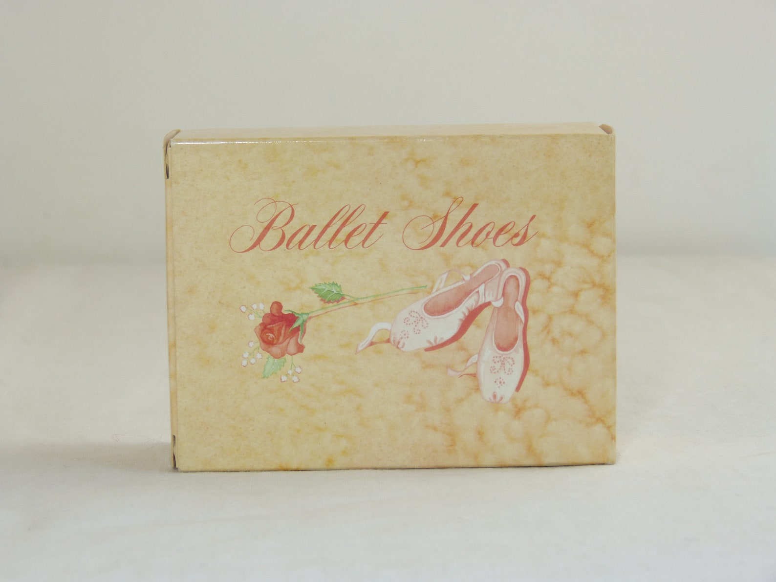 ballet shoes avon soap set in original box - unused pink classic dance pointe shoe novelty toiletry - french 70s 80s vintage