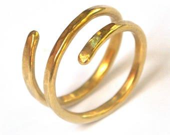 Gold Thumb Ring, Gold Wrap Ring, Gold Spiral Ring, Gold Open Ring Hammered, Gold Midi ring, Gold Bypass Ring, gold boho ring gold