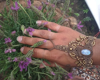 This is magic beautyful moonstone GODESS healing crystal boho macrame handpiece handjewelry for everyday or special wedding bohemian jewelry