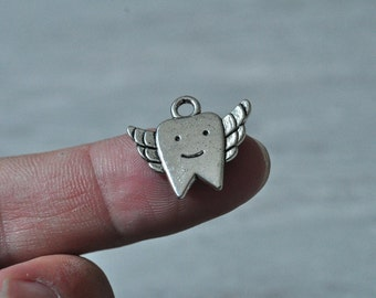 20pcs Antique Silver Tooth Charm Pendant Little Angel 13x20mm K934