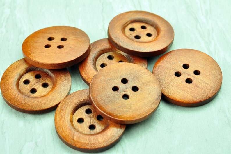 35MM *** CHOOSE YOUR SIZE FROM 14MM 2-HOLE NATURAL WOODEN BUTTONS X 10 BUTTONS