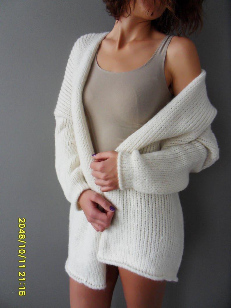 56e81c6863 Alpaca Oversized Chunky woman knit cardigan. Off white knit