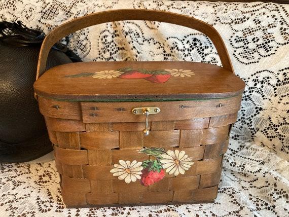 Vintage Basket Purse Strawberry and Daisy Design B