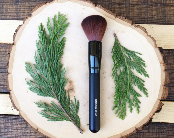 Large Rounded Face Brush • Brown Vegan Faux • Cruelty Free • Matte Black Wood Handle and Black Ferrules • Cream and Powder • Odor + Dye Free