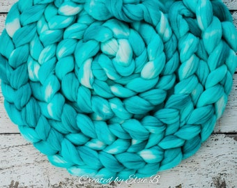 DYED TO ORDER 'Aquamarine' 4 oz combed top for spinning, Created by Elsie B semi solid blue wool fiber, wool by the pound, hand dyed roving