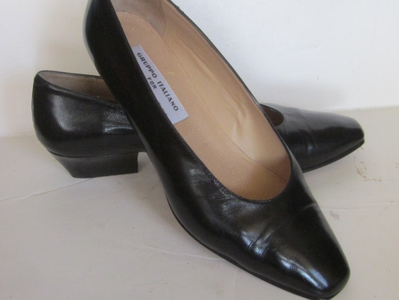 bd02f81ef785a Vintage GRUPPO ITALIANO for Saks BLACK Leather Stacked Pumps- 1 1/2