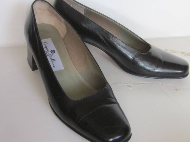80c9223a1eaa1 Vintage GRUPPO ITALIANO Black Leather Square Toe Classic Pumps-Chunky  Stacked Heel 2 1/2