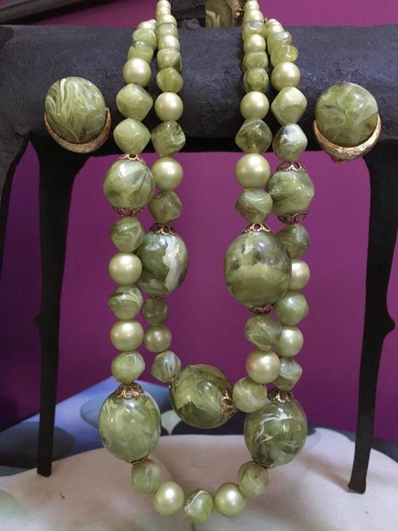 1940's costume jewelry set