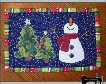 PDF Pattern for Christmas Mug Rug, Happy Snowman Mug Rug Pattern, Snowman Mini Quilt Pattern - Sewing Pattern,  Tutorial, DIY