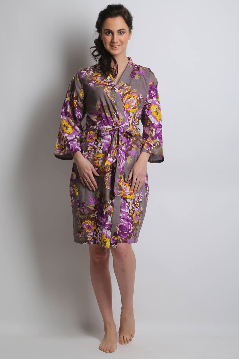 f2f652ed6676 Gray bridal party robe lavender bridesmaids robe grey kimono