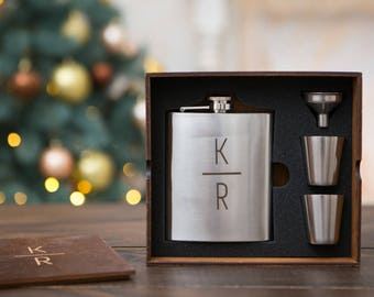 Engraved flask, hip flask, gift for man, personalized flask, flask for man, camp gift, personalise, flask gift set, groomsmen gift