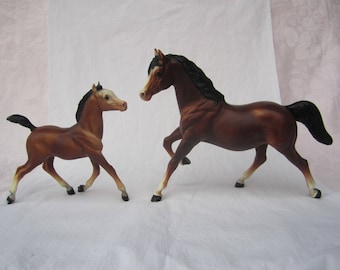 Vintage 1980's Breyer Family Set of two horses~Mare & Foal~Bay Running Mare and Colt