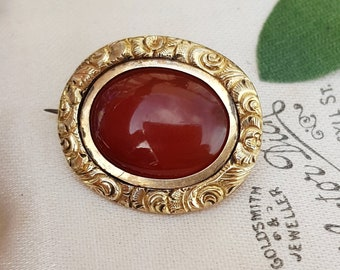 Antique Georgian / Victorian 9ct Gold Ornate Chased Carnelian Agate Lace Pin Brooch