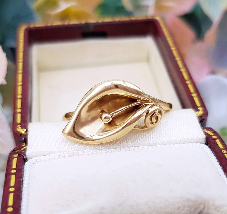 vintage set of 2 9ct yellow gold calla lily flower ring