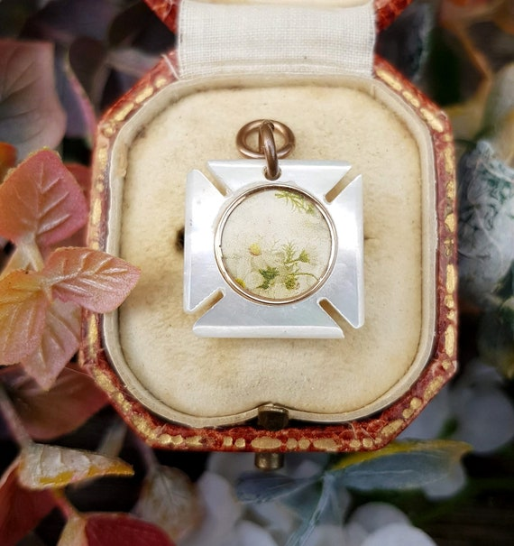 Antique Victorian Mother of Pearl Maltese Cross L… - image 6