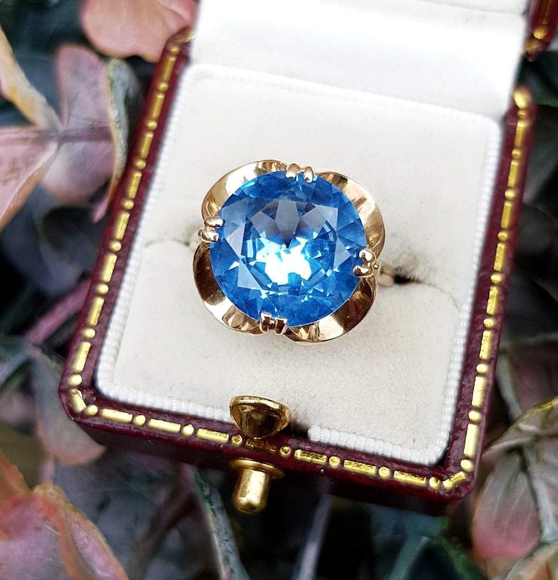 f43dbc01f0b6ac Vintage 1969 9ct Yellow Gold Large Ocean Blue Topaz Gemstone | Etsy