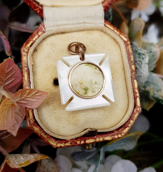 Antique Victorian Mother of Pearl Maltese Cross L… - image 5