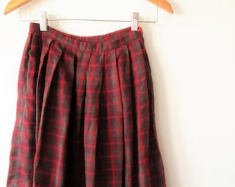 Wms Vintage 1950s Red WOOL PLAID School Girl Knee Length Skirt Sz 24