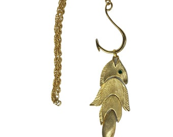 Vintage 70's Gold NAPIER Articulated Fish Large Pendant Chain Necklace