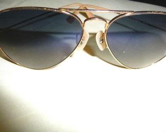 7e56d26653 Vintage Ray-Ban Aviator Sunglasses. Gold Frame Blue Lenses- Authentic.