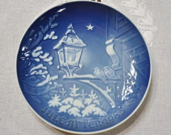 Vintage Christmas Plate 1985 Christmas in the Old Town Blue and White Bing Grondahl B & G Copenhagen Porcelain Denmark PanchosPorch