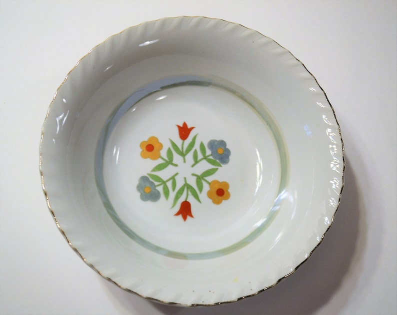 Vintage Floral Center Serving Bowl Chippy Tulip Daisy Red Blue image 0