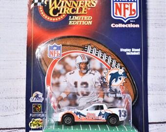 Vintage NFL WInners Circle 1999 Corvette Die Cast Car Dan Marino Miami Dolphins Hasbro Racing Memorabilia Collectible. Panchosporch