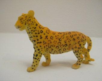 Leopard Jaguar Cheetah  Beautiful Decorative Figurine