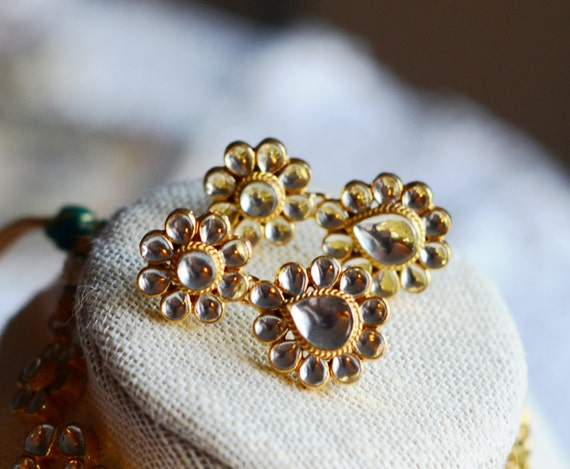 Sarabjit Kundan Phool Earrings