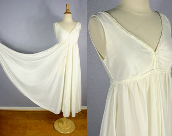 9547e6c59f9fa Vintage Nightgown MOD Nightgown Full Sweep Bridal LINGERIE Grecian GODDESS  Negligee Sexy Lingerie Wedding Bombshell Costume Circle Skirt