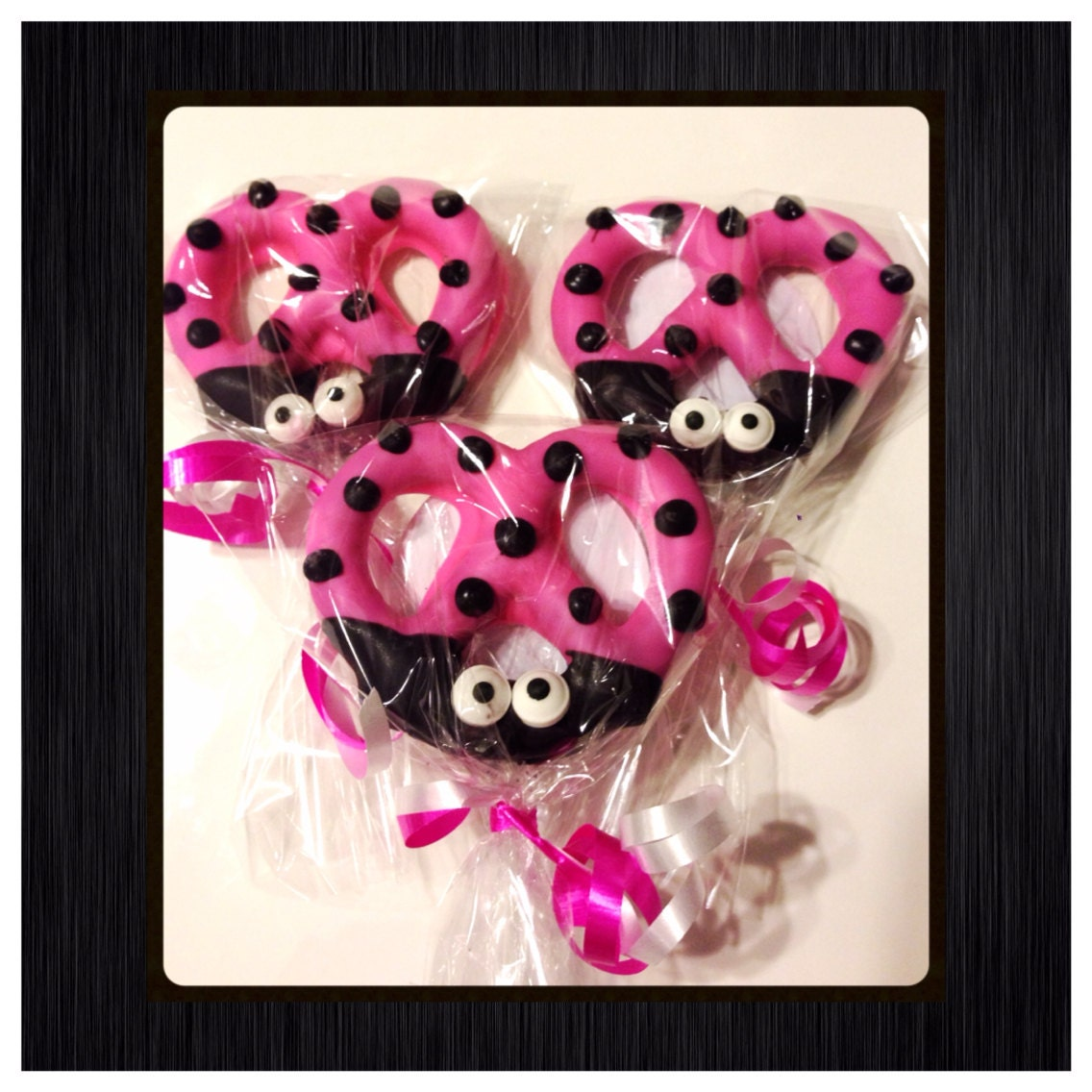 Hot pink Ladybug chocolate covered Pretzels, personalized favor ...