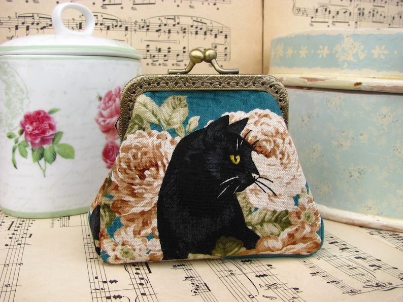 kiss lock purse japanese fabric Coin purse clutch with black cat and roses