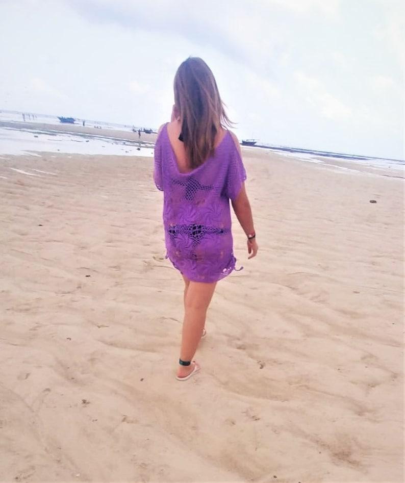Knitted dress for the beach.\u0412\u044f\u0437\u0430\u043d\u043e\u0435 \u043f\u043b\u0430\u0442\u044c\u0435 \u0434\u043b\u044f \u043f\u043b\u044f\u0436\u0430.