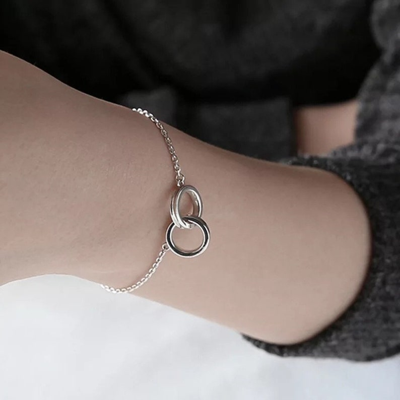 Buckle Circle Geometric Bracelets Bangles  Double Ring Slim O Chain Bracelet Bracelet for Women Chain Link Charms Silver Jewelry