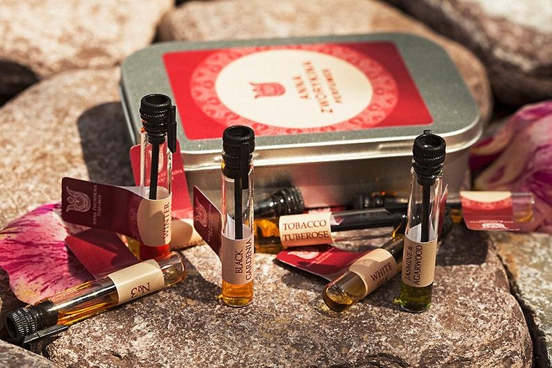 Floral natural perfume sample set  pack of 7 samples image 0