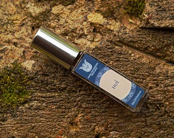 Hue - Natural eau de perfume,  marine, woody and balsamic with violet leaf, seaweed, pink lotus,juniper,agarwood, oakmoss Flacon.
