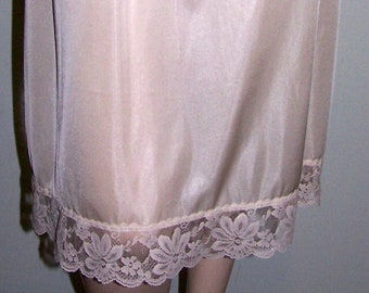 Vintage 1980's LORRAINE Ivory HALF-SLIP Size Large-Tall 100% Silky-Nylon Lace-Trim Made in Usa