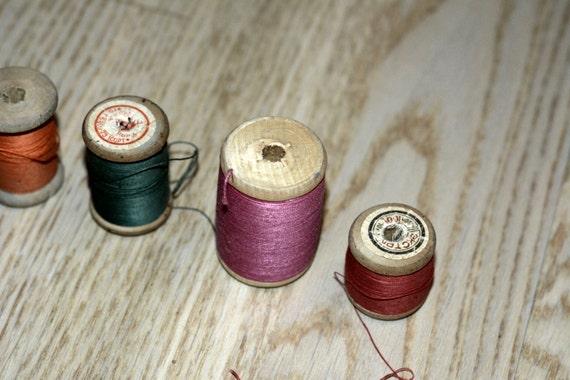 Vintage rétro en bois fil bobines Set de 6 couleurs différentes couleurs 6 de fils à coudre coton Union soviétique ea9158