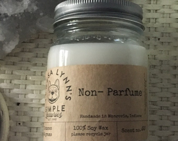 Unscented | Non-Parfume | soy wax | cotton wick candle | handmade | dye free | farmhouse candle | French bulldog | Dinner candle | pure soy
