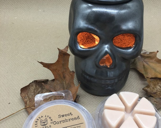 Skull, ceramic, electric tart melter, witchy, melter, black, Halloween, Goth, wax tart, wax melt, fall, scents, creepy, skeleton