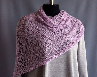 Cape poncho associated knitting yarn cotton acrylic color purple Women's Poncho Delicate Handmade poncho on shoulders wraps
