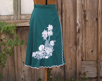 Vintage Green and White Embroidered Wrap Skirt