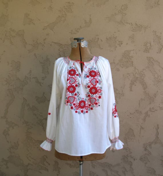 Vintage Embroidered Peasant Blouse//Ukrainian Blou