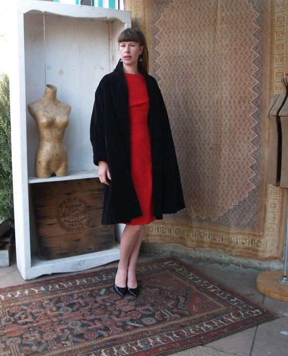 Vintage Black Velvet Swing Coat//Opera Coat