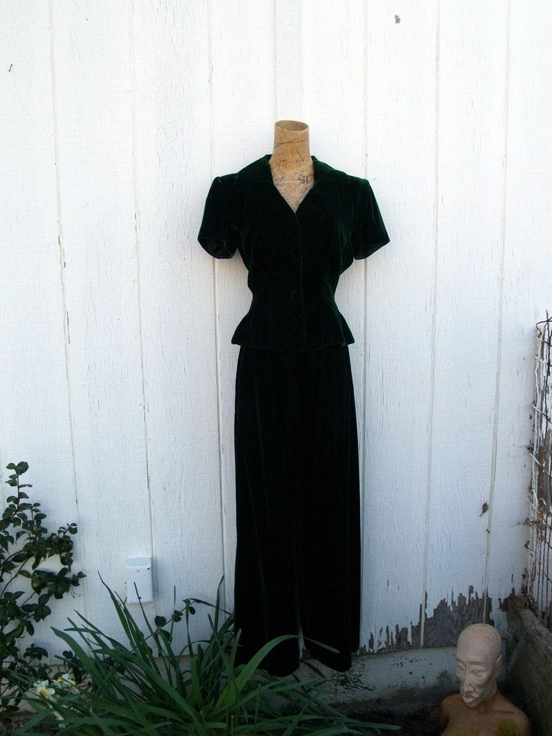 Vintage Emerald Green Velvet Pants SuitSize 4 PetiteWide LegShort SleevePeplum