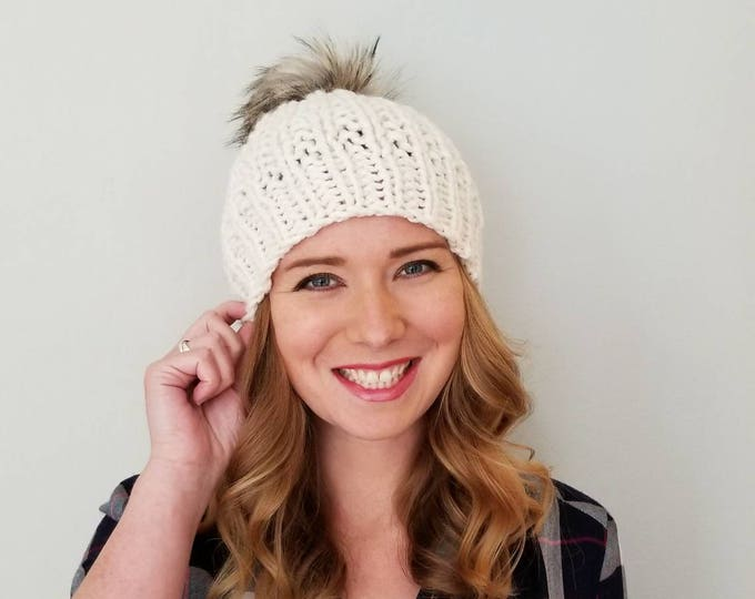 Featured listing image: Moxie Hat with Pom Pom - Cream