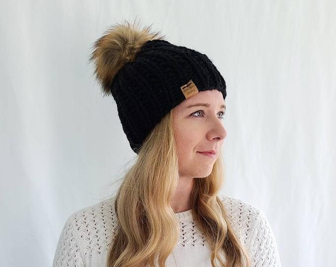 Moxie Hat with Pom Pom - Black