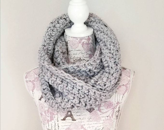 Featured listing image: Sutherland Infinity Scarf - Grey Tweed